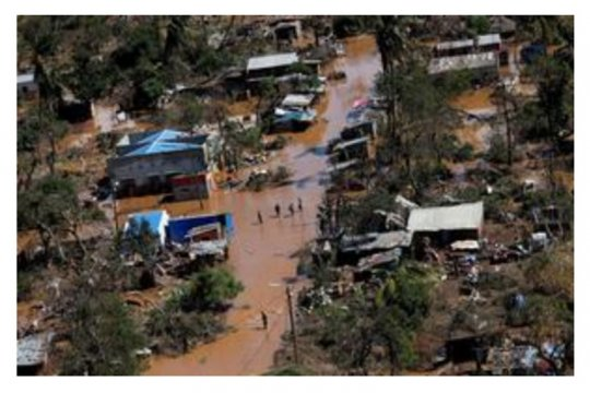 Ribuan orang terjebak di Mozambik setelah topan menerjang
