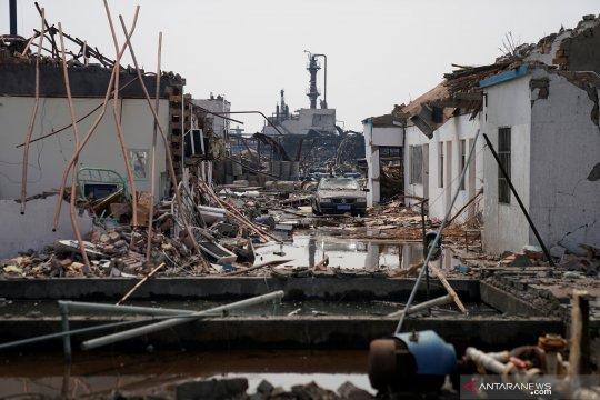 Dua ledakan di China tewaskan 12 orang