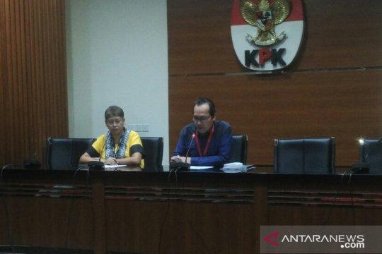 KPK tahan tiga tersangka suap pengadaan barang-jasa Krakatau Steel