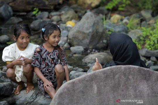 Anak Suku Polahi di pedalaman Gorontalo ingin bisa sekolah