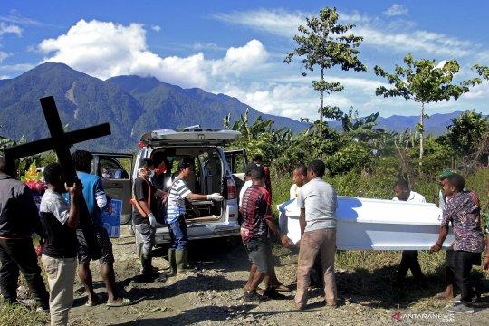 20 jenazah tak teridentifikasi korban banjir Sentani dimakamkan massal