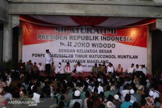 Jokowi : Saya sehari lima provinsi sampai kurus