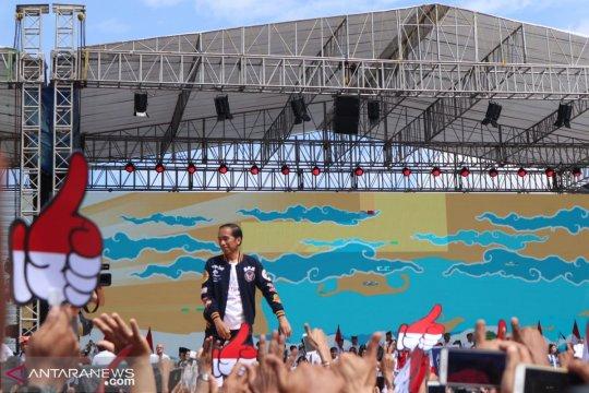 Jokowi: pemimpin harus berada di depan saat rintangan datang