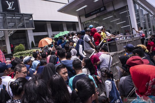 Profesor Liddle pun ingin nikmati MRT Jakarta