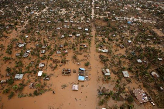 Jumlah kematian akibat topan di Mozambik naik jadi lebih 400