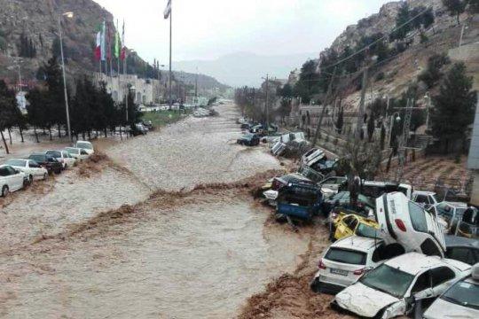 Banjir bandang renggut 11 korban jiwa di Iran selatan