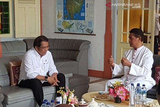 Menkominfo bertemu Uskup Agung Ende