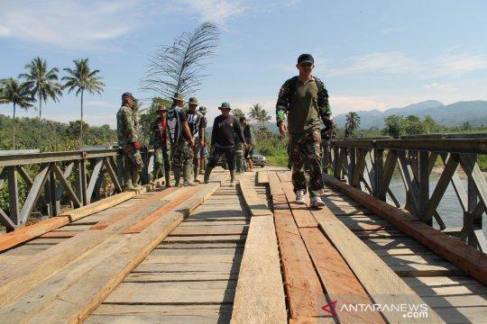 Ekonomi lumbung beras Donggala terancam, akibat jembatan rusak