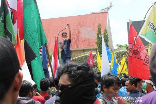 Mahasiswa Samarinda Demo Tolak Pabrik Semen