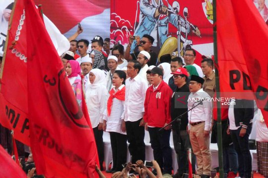 Round up - Dalam sehari, Jokowi kampanye di tiga daerah di Jatim
