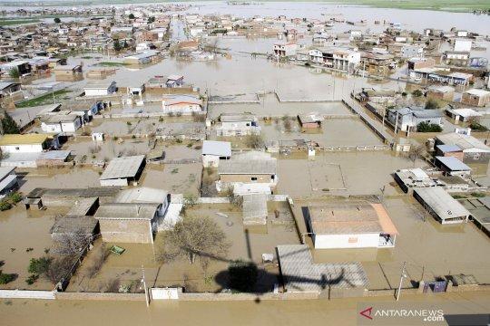 Presiden Rouhani periksa kerusakan akibat banjir di Iran Utara