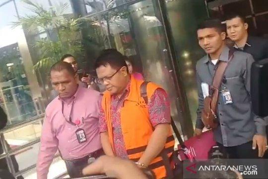 KPK tahan hakim PN Semarang Lasito