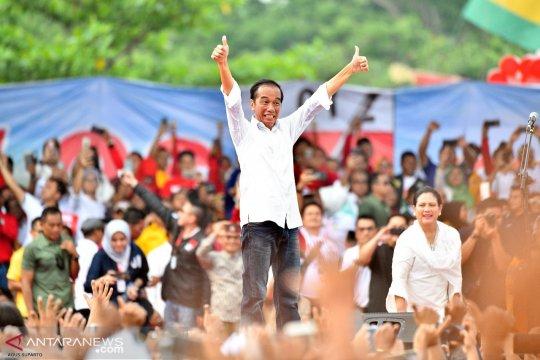 """Jokowi """"hadiahkan"""" kapal RoRo Malaka-Dumai"""