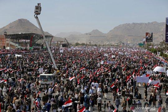 Serangan koalisi Saudi bidik pangkalan udara di dekat bandara Sanaa