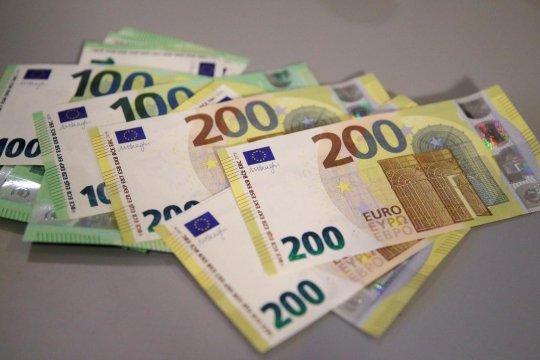 Euro menguat, survei bisnis Jerman kurangi kekhawatiran resesi ekonomi