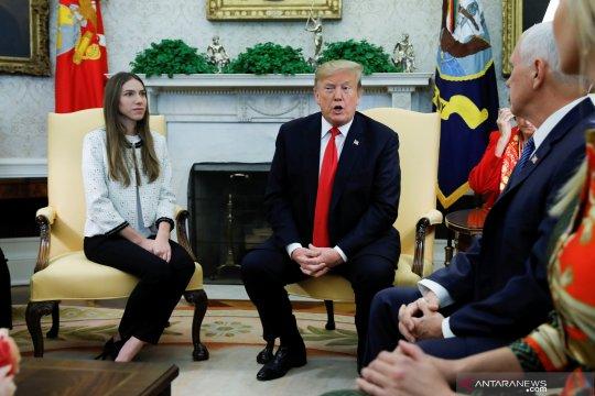 Donald Trump gelar pertemuan dengan Fabiana Rosales