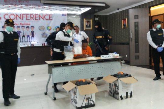 Bea Cukai Juanda tangkap tiga penyelundup sabu-sabu asal Malaysia