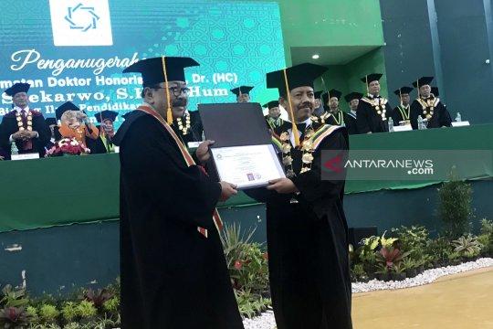 UINSA Surabaya anugerahi Soekarwo doktor kehormatan pendidikan islam