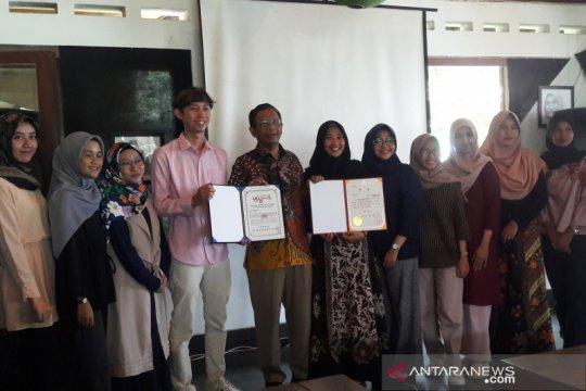 Mahfud beri dukungan mahasiswa peserta kompetisi seni dunia di Rumania