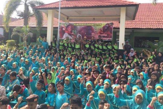 OFI Kampanye orangutan di sekolah Kalteng