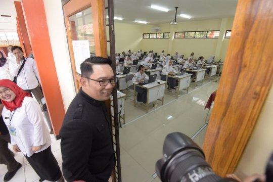 Ridwan Kamil: pelaksaan UNBK SMA di Jabar lancar