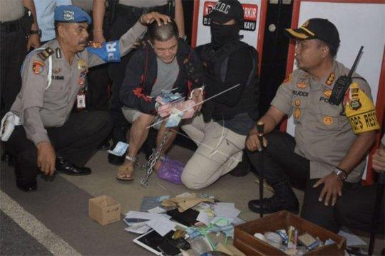 Sepuluh narapidana narkoba LP Kerobokan dipindahkan ke Nusakambangan