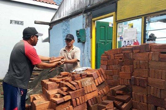 Solusi Bangun Indonesia rehab puluhan rumah warga Cilacap
