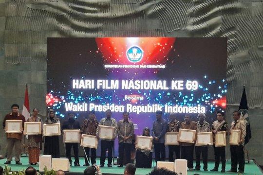 JK serahkan apresiasi kesetiaan saat peringatan Hari Film Nasional