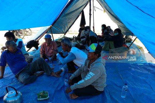 Tuntut ganti rugi, petani menginap di PLTU Bengkulu
