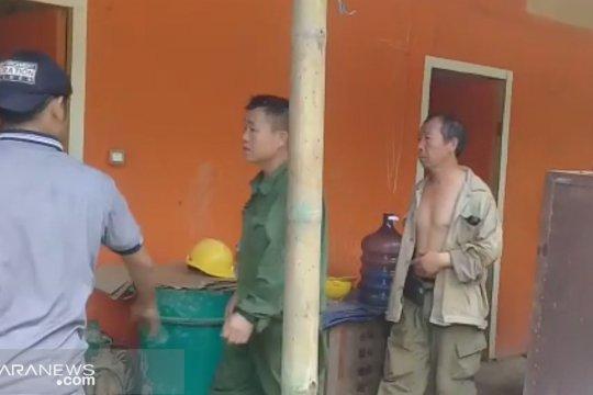 Imigrasi Sukabumi pastikan dua TKA Cina dideportasi