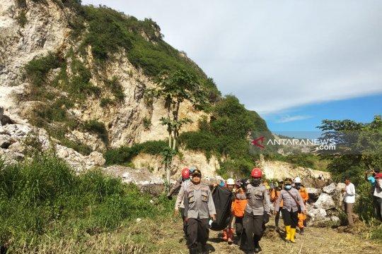 SAR temukan jenazah korban longsor Gunung Kapur Sadeng Jember