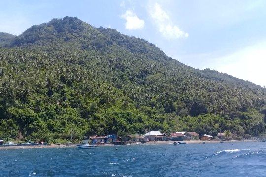 Di pesisir Pulau Hiri-Malut, Pemkot Ternate bangun internet gratis