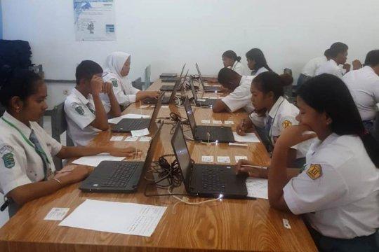 SMA PGRI Jayapura pinjam komputer untuk pelaksanaan UNBK