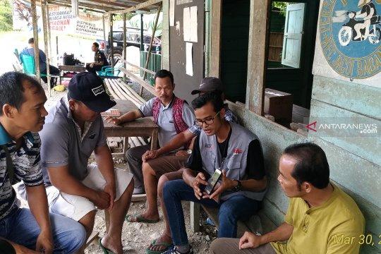 Relawan demokrasi KPU Bengkayang sosialisasi pemilu ke ojek perbatasan