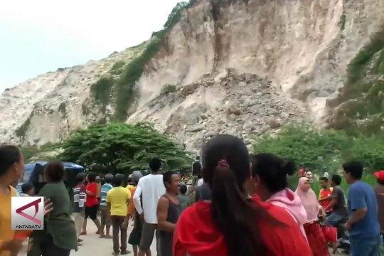 Tim SAR cari korban longsor Gunung Kapur Puger Wetan