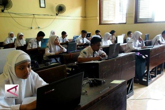 Di Jatim ujian nasional pakai smartphone