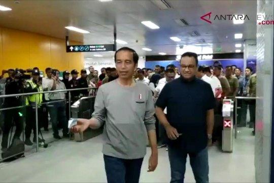 Presiden Jokowi tiba di stasiun MRT Bundaran HI