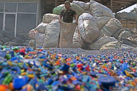 Pegiat: hanya sebagian kecil plastik yang layak didaur ulang