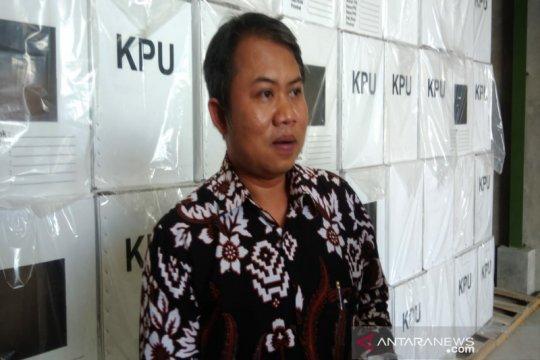 KPU Gunung Kidul temukan ribuan surat suara rusak