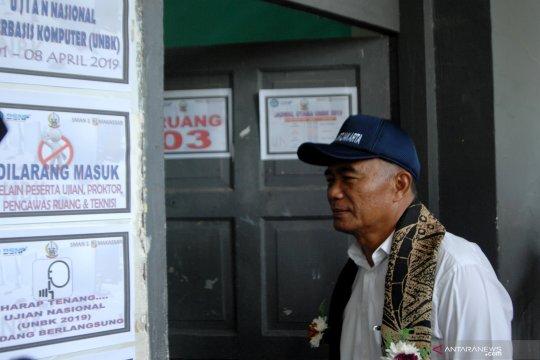Mendikbud tinjau UNBK di Makassar