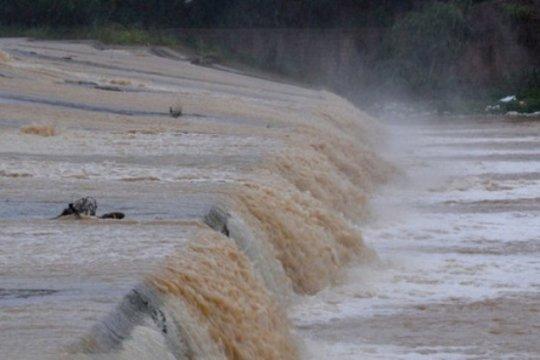 Hujan perburuk banjir di Iran