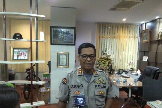 Pemeras mengaku polisi dibekuk aparat