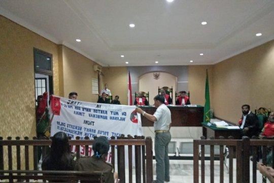 Tiga perwira Polres Mimika bersaksi di sidang aktivis KNPB