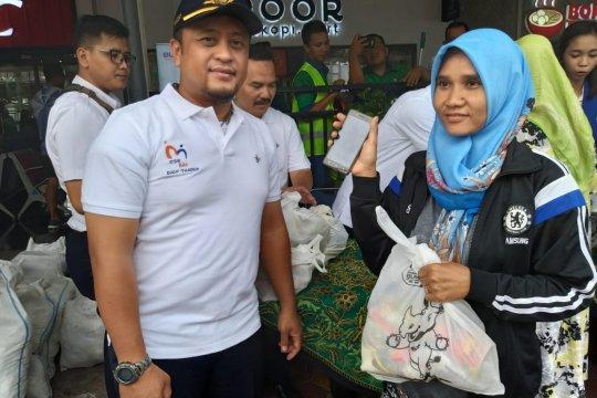 3.000 paket sembako disediakan KAI Madiun-Jatim melalui pasar murah