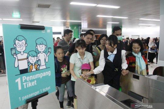 Perkembangan penggunaan uang elektronik di MRT Jakarta