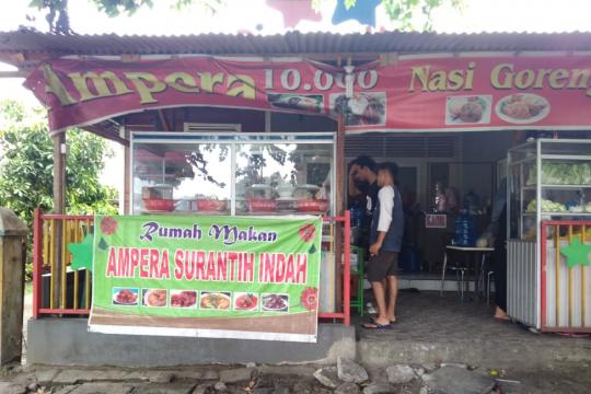 Mencicipi nasi Padang Rp10 ribu, setimpalkah rasa dengan harga?