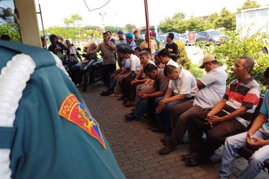 Bandara Juanda jaring 24 orang sopir taksi ilegal bandara