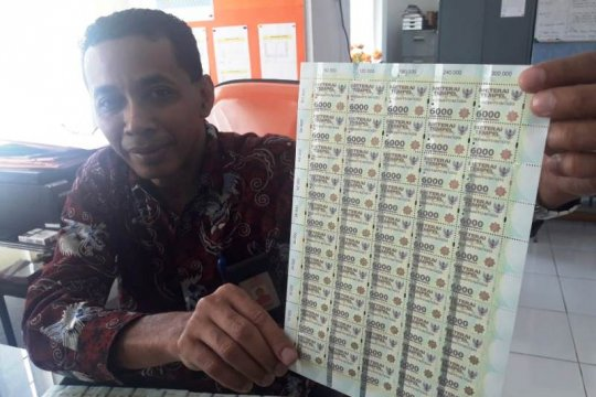 Kantor Pos Jayapura minta masyarakat waspada meterai palsu
