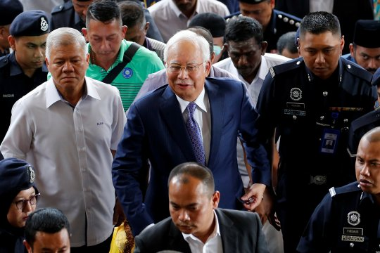 Mantan PM Malaysia Najib direncanakan disidang terkait skandal suap