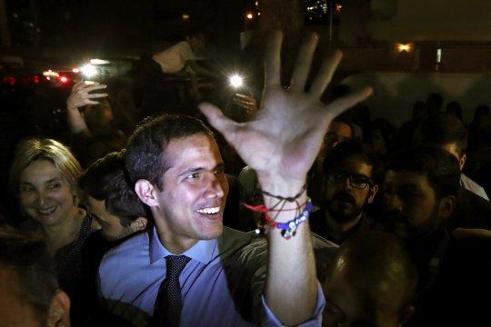"""Guaido: """"Tak pernah"""" jadi momen baik berunding dengan Maduro"""
